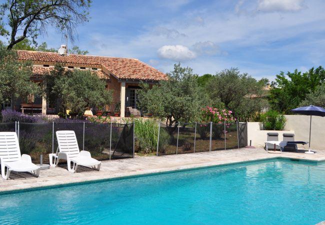 Maison à Cotignac - Location saisonnière en Provence : Maison d'Els