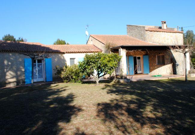Maison à Cotignac - LE GREEN : PISCINE PRIVEE POOLHOUSE JARDIN CLOS