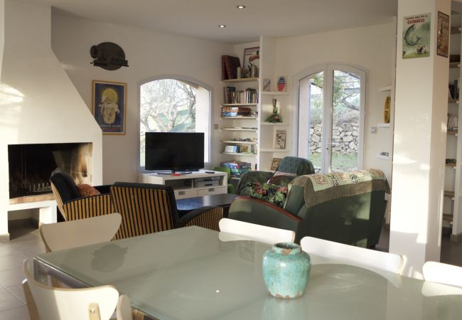 Maison à Carcès - Location Saisonnière en Provence : La Sentinelle