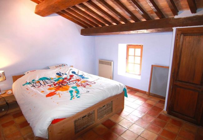 Maison à Cotignac - Locations saisonnières à Cotignac : Lou Marpautan