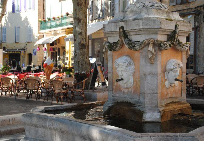 Appartement à Cotignac - Grande Maison : charme et tranquillité proche des restaurants