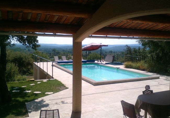 Villa à Cotignac - NOUVEAU : Ti Caz La : formidable maison de vacances, 10 personnes, piscine et jacuzzi privés