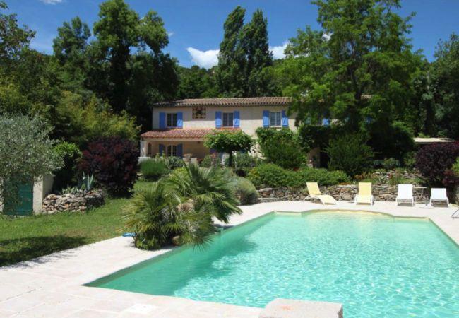 Maison à Cotignac - Mas d'Haru, vacances paisibles avec piscine privée