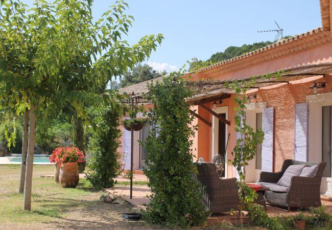 Villa à Cotignac - Marlin : Vacances au soleil en Provence